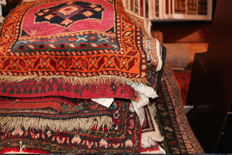 Read more about the article Determining the Value of an Oriental Rug